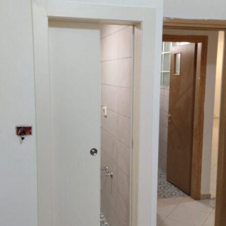 דלתות הזזה מעץ קיימים במספר דגמים